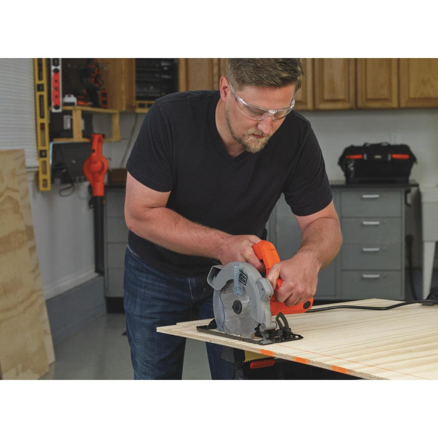 Black & Decker 7-1/4 In. 13-Amp Circular Saw with Laser Image 5