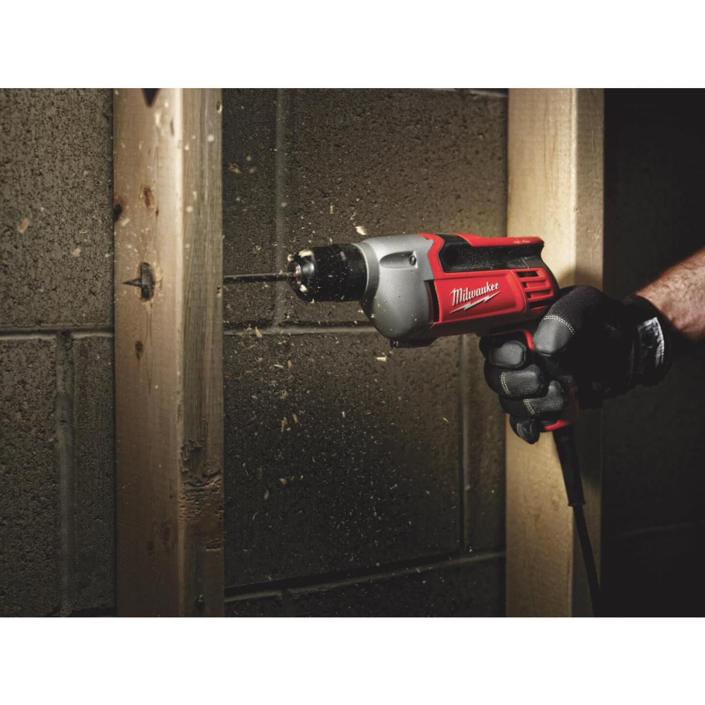 Milwaukee 3/8 In. 8-Amp Keyless Electric Drill Image 3